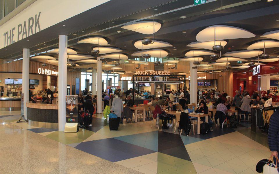 Hammerhead, Pearson International Airport, Restaurants